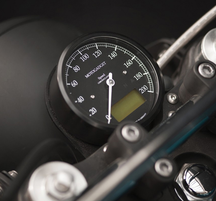 chronoclassic speedo 200 Km/h Black Motogatget 85 mm