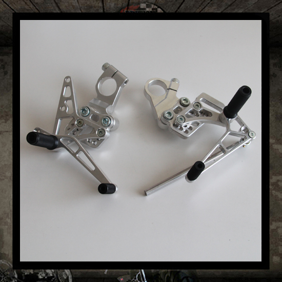 Triumph Thruxton Cafe Racer rear sets kit