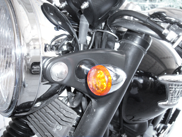 Pair turn signal adapter plate for Bonneville