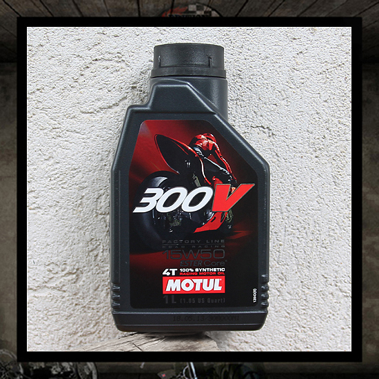 "MOTUL 300 V 15W50 ""ESTER Core� Technology"""