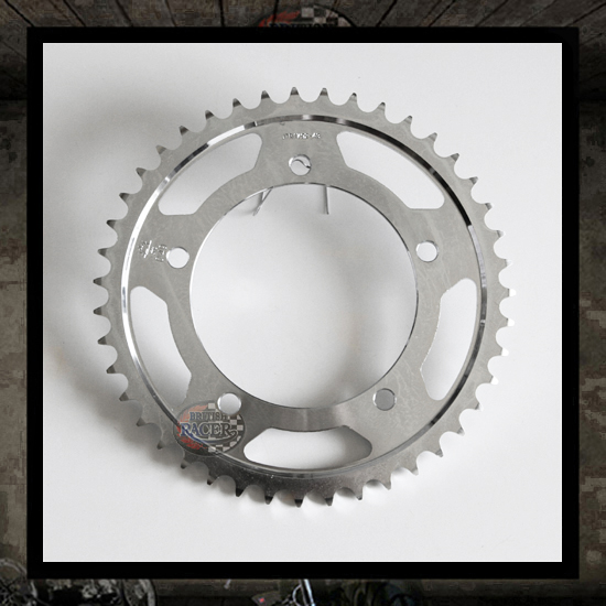 Carbon/steel rear sprocket